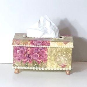 Vintage Style Tissue Box w/other Hydrangea Flower